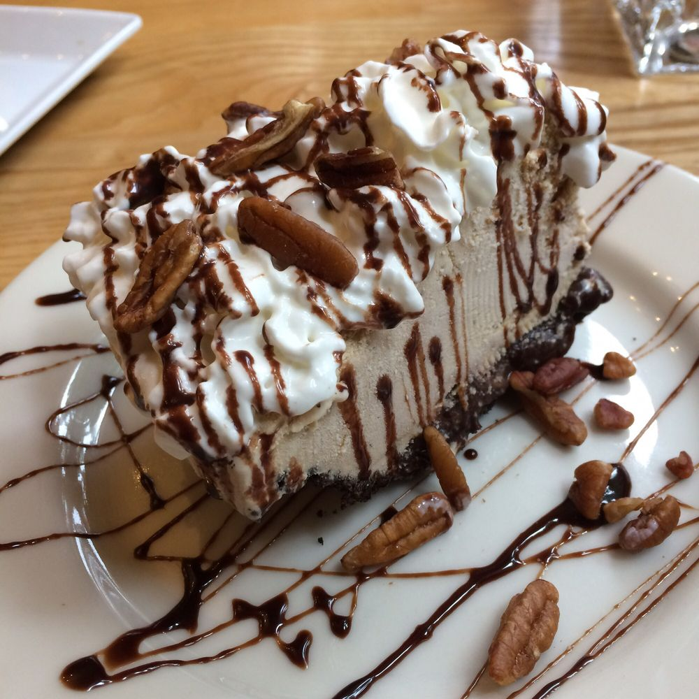 Devil 39 s slide mud pie yelp for Flying fish bar and grill