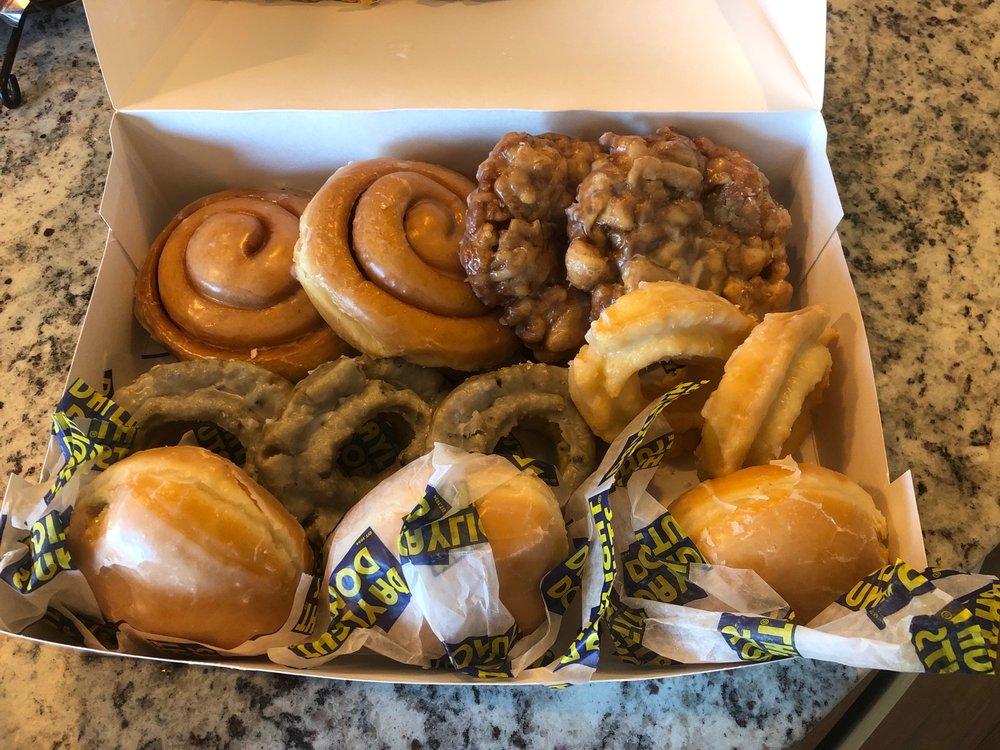 Daylight Donut: 405 W Centerton Blvd, Centerton, AR