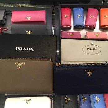 prada discount purses