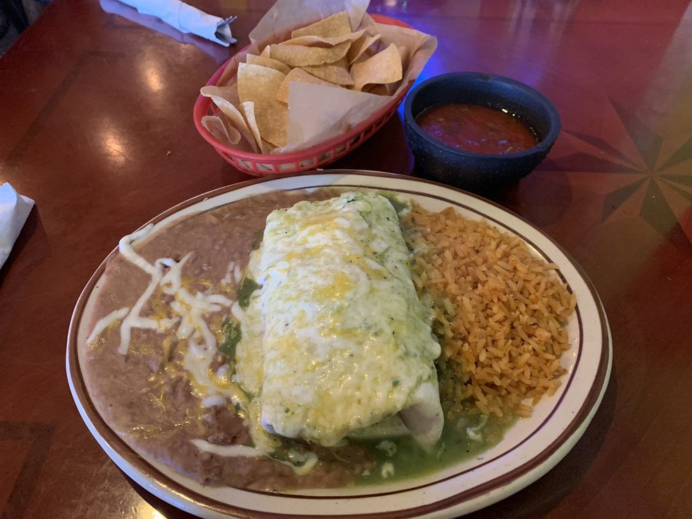 La Hacienda: 1509 Burlington St, Holdrege, NE