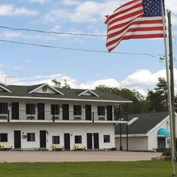 Walloon Lake Lodge - CLOSED - Hotels - 2594 Springvale Rd ...