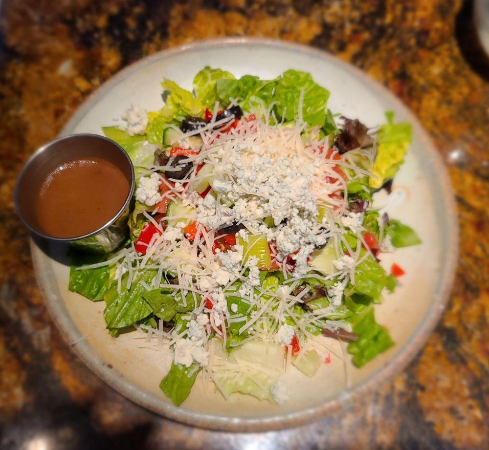 JohnnyLukes KitchenBar: 5500 Market St, Wilmington, NC