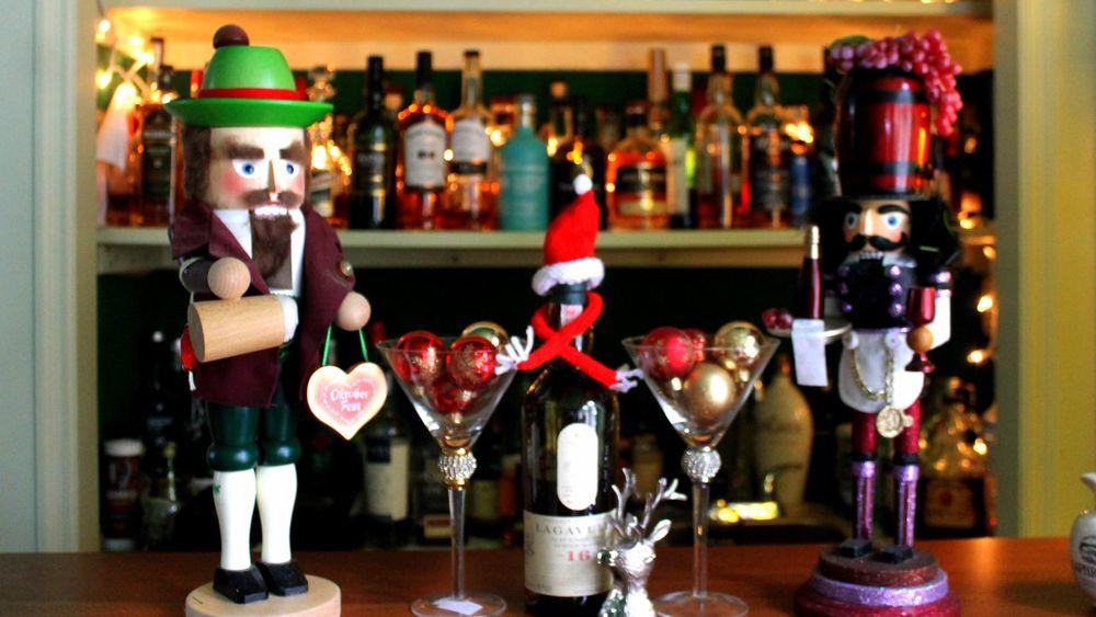 Clamber Hill Inn & Restaurant: 111 N Main St, Petersham, MA