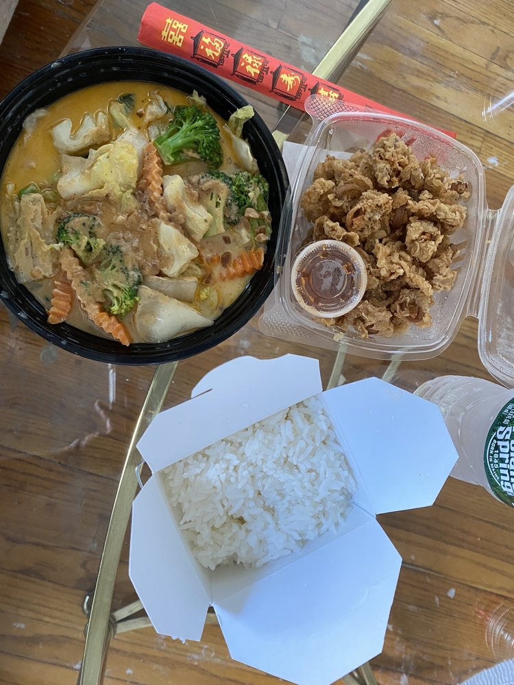 Food from Sriprai Honey's Thai Kitchen