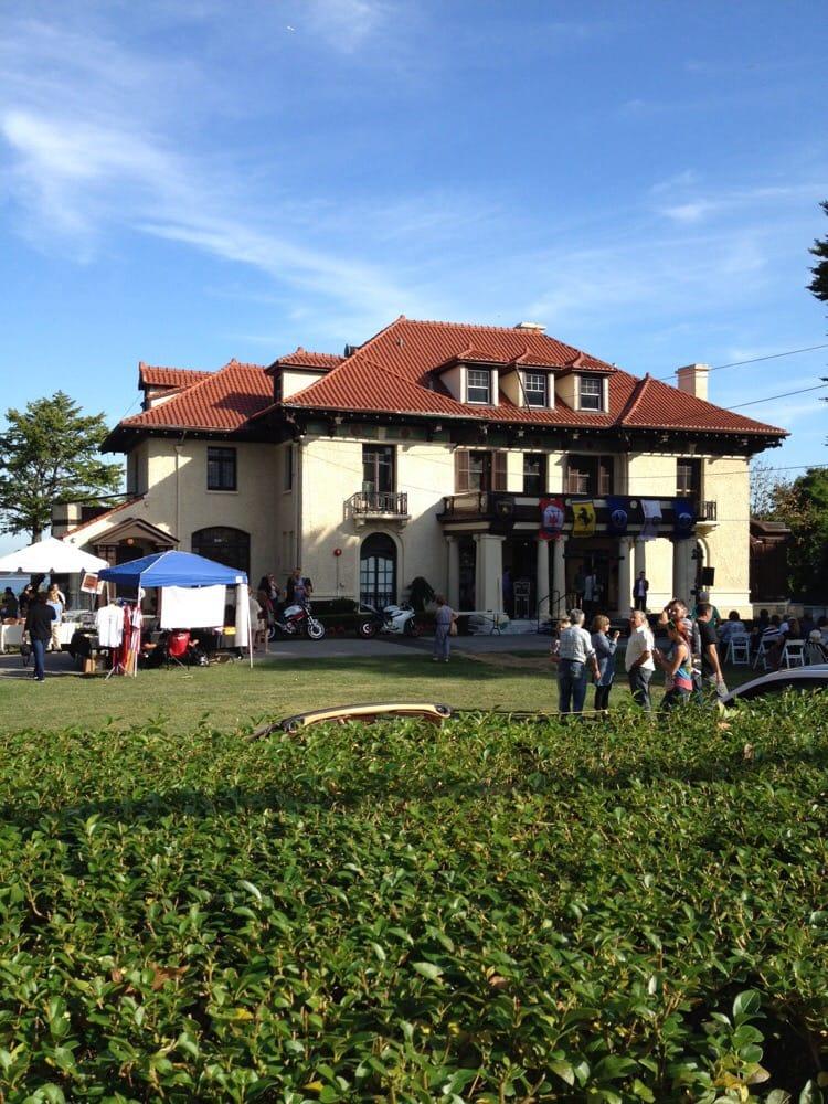 Festa D'Italia: 79 Howard Ave, Silver Lake, NY