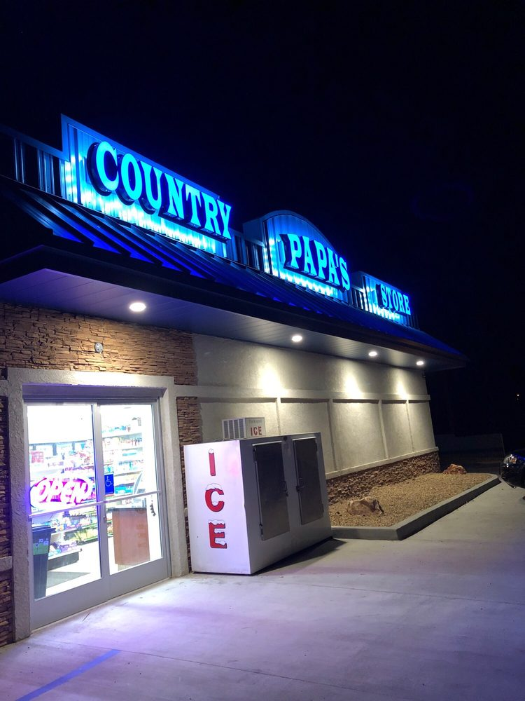 Papa's Country Store: 17518 Elizabeth Lake Rd, Lake Hughes, CA