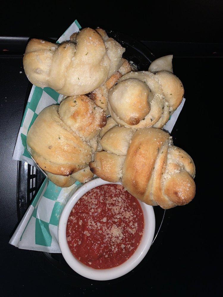 Bella's Restaurant: 4590 Pine Island Rd, Matlacha, FL