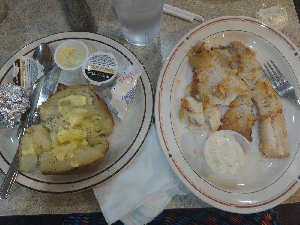 Newton Family Restaurant: 2426 1st Ave E, Newton, IA