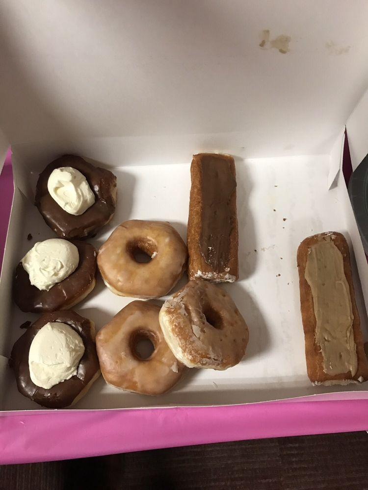 Crispie Creme Donut Shop: 47 N Bridge St, Chillicothe, OH