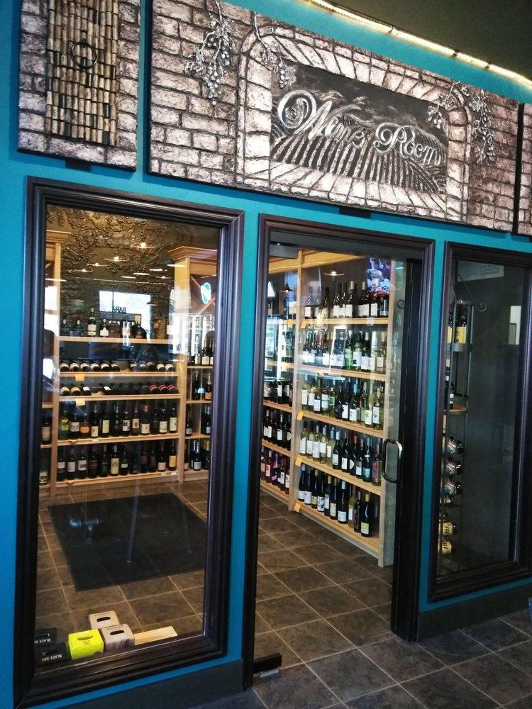 Grove City Wine Garden: 310 N Meridian St, Blackfoot, ID