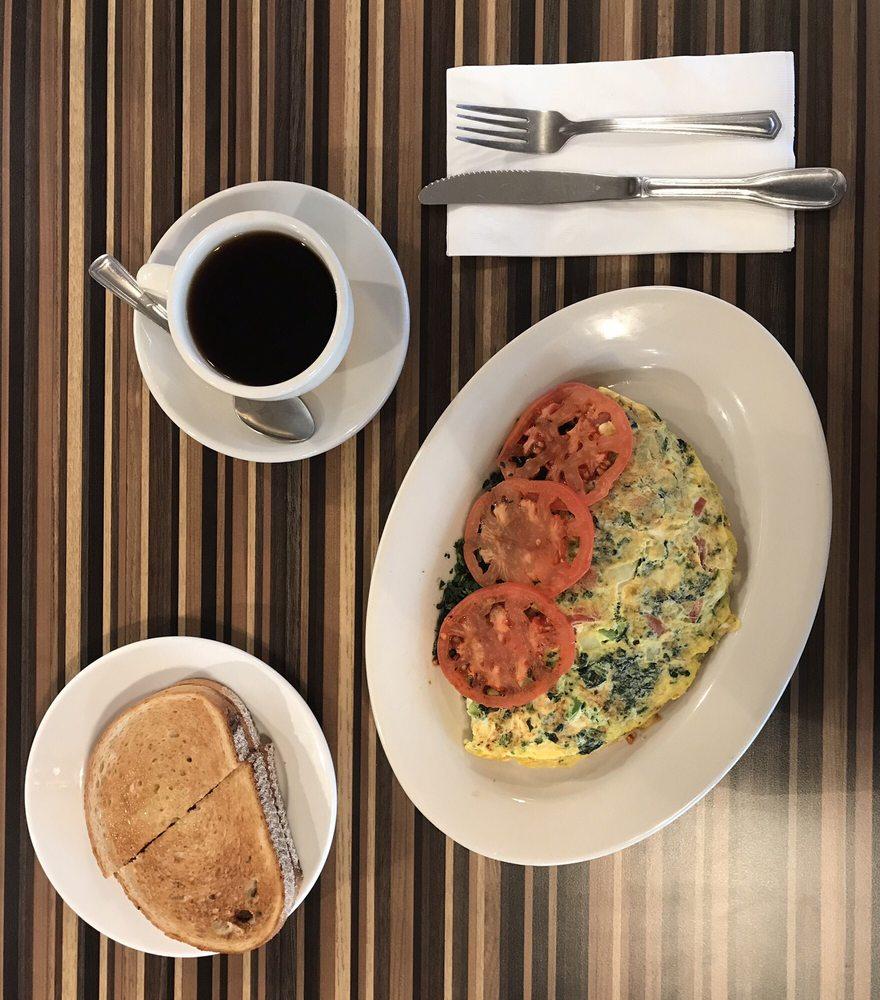New Munson Diner: 12 Lake St, Liberty, NY
