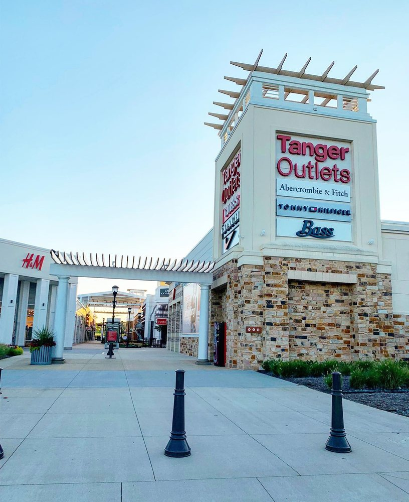 Tanger Outlets Southaven: 5205 Airways Blvd, Southaven, MS