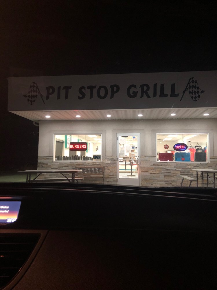 Pit Stop Grill: 232 N Hwy 77, Declo, ID