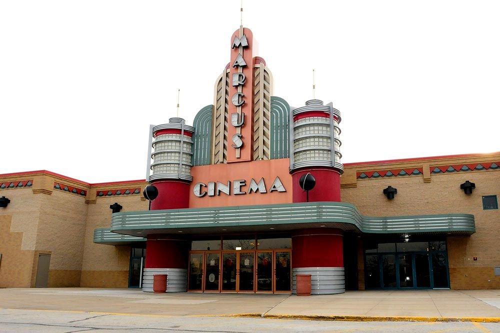 Marcus Theaters: 1555 W Lake St, Addison, IL