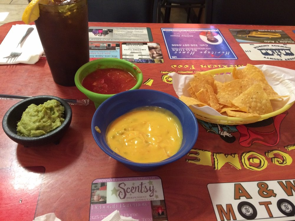 Jaramillo's Mexican Food: 1303 25th St, Snyder, TX