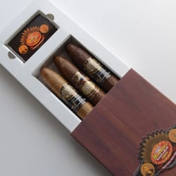 Martinez Handmade Cigars - 43 Photos & 41 Reviews - Tobacco