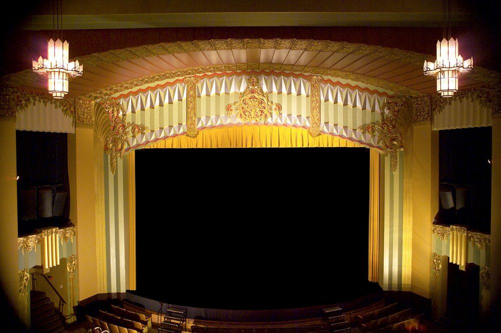 Fox Theatre: 18 E 1st Ave, Hutchinson, KS