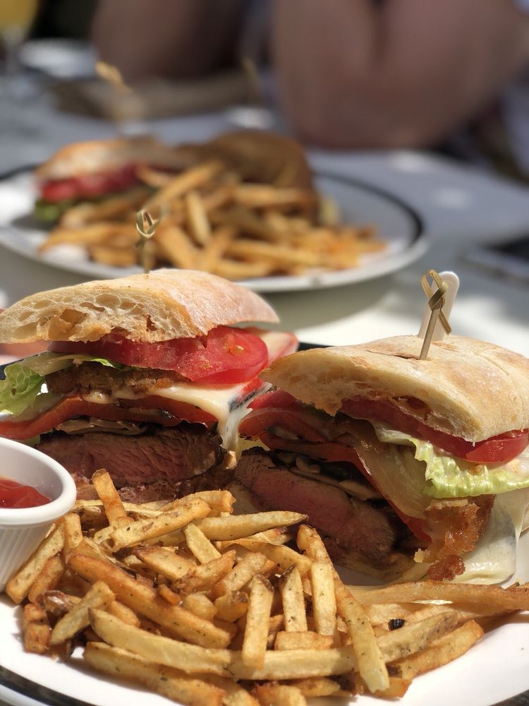 Veranda Restaurant & Cafe: 208-01 Northern Blvd, Bayside, NY