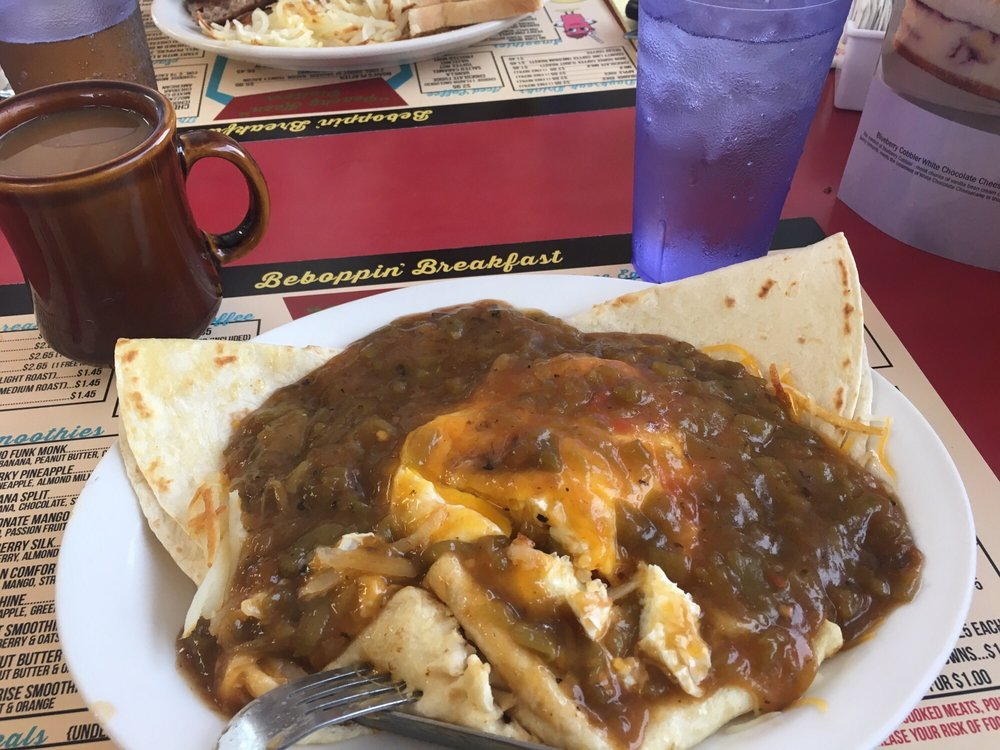 Fizzy's Dine in and Drive Up: 910 Flack Ave, Alliance, NE