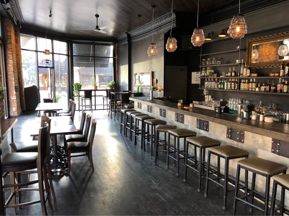 Taylor Street Tap: 1358 W Taylor, Chicago, IL