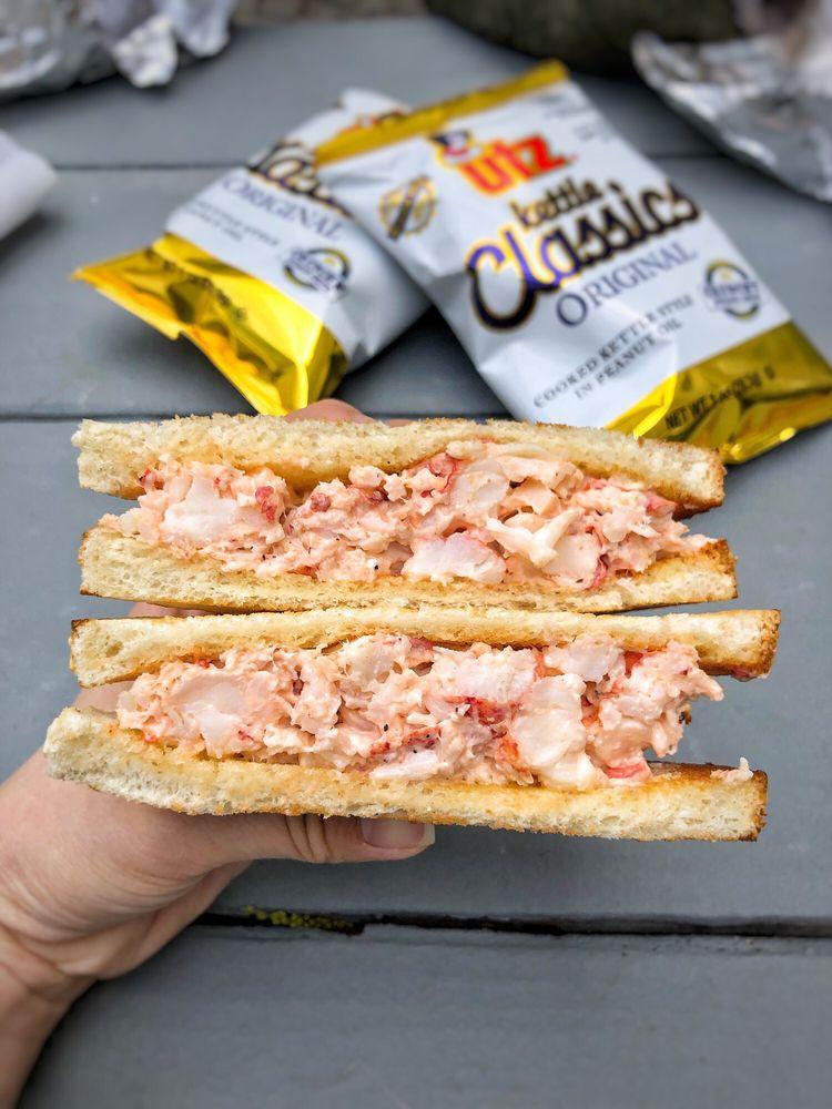 Alive & Kicking Lobsters: 269 Putnam Ave, Cambridge, MA