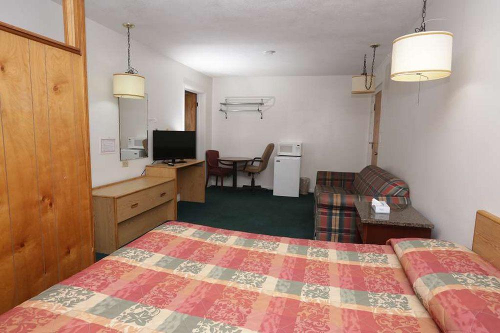 Capri Motel: 2424 Avenue I, Scottsbluff, NE
