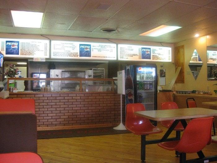 Photo Of Vitou0027s Pizza   Catawissa, PA, United States. Inside Of Pizza Shop