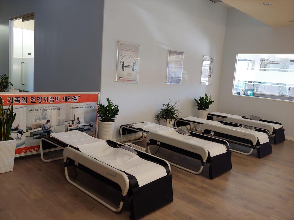 Ceragem Healing Center - Los Angeles | 5563 W Manchester Ave, Los Angeles, CA, 90045 | +1 (424) 702-5612