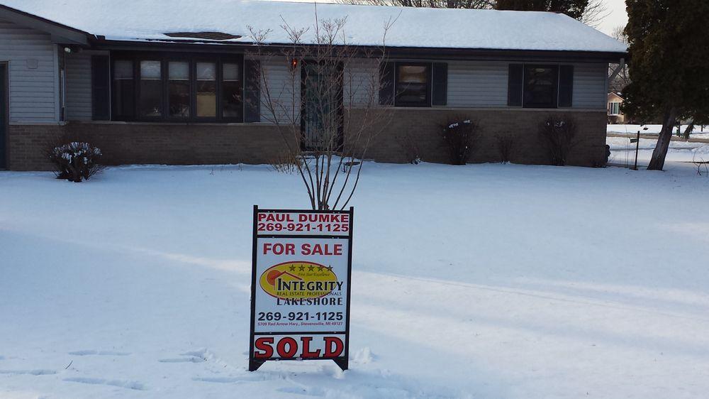 Paul Dumke - Integrity Re Professionals Lakeshore: 5709 Red Arrow Hwy, Stevensville, MI
