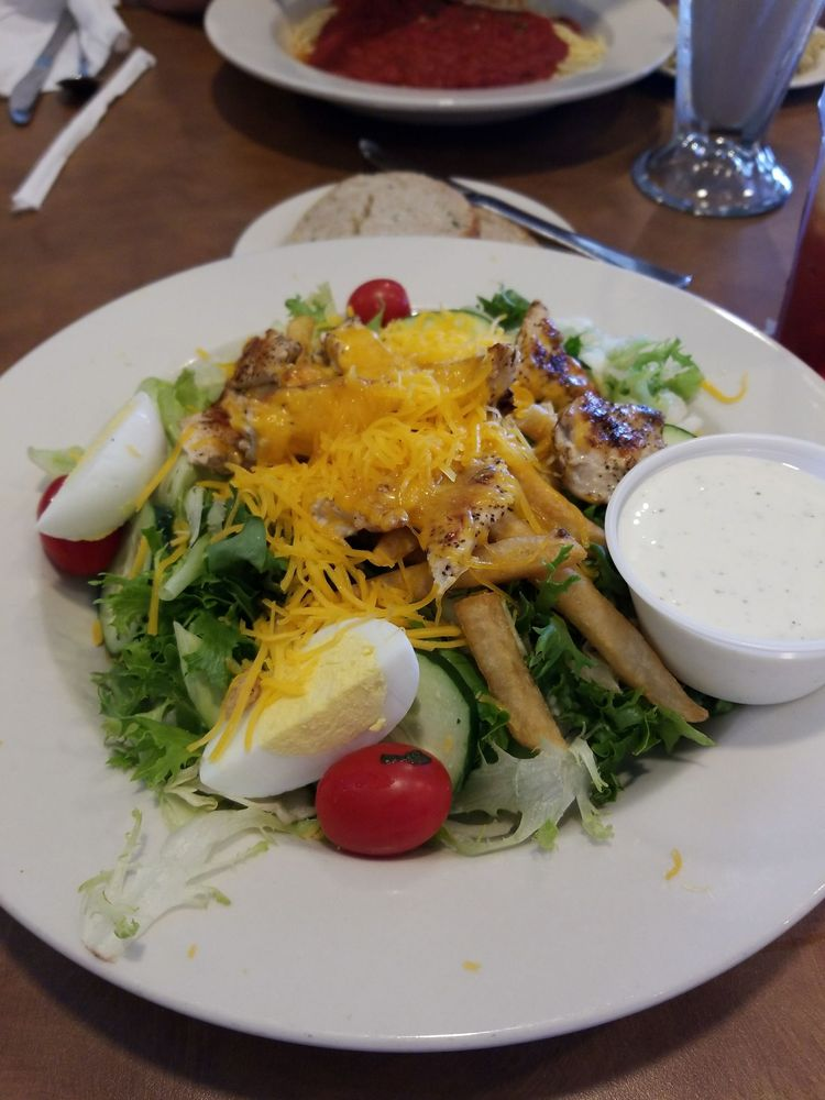 Eat'n Park: 35 Perkins Rd, Clarion, PA