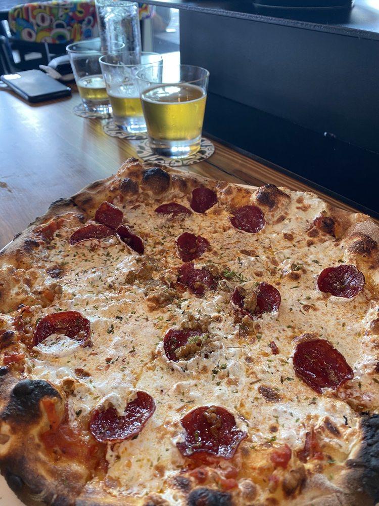 Graffito Pizza: 400 W River St, Savannah, GA