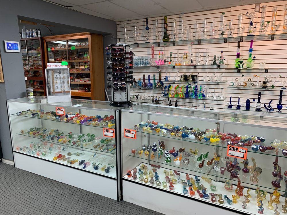 Byron Smoke Shop: 13530 Byron Hwy, Byron, CA