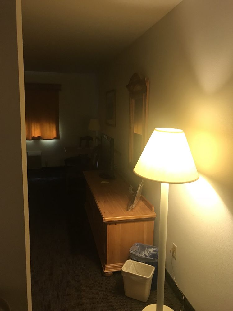 Konkapot Lodge: W12635 County Rd A, Bowler, WI