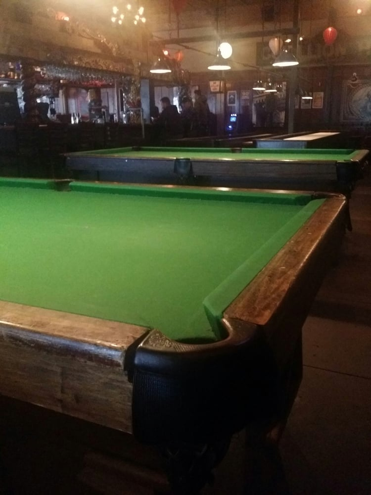 places to eat and play pool near me