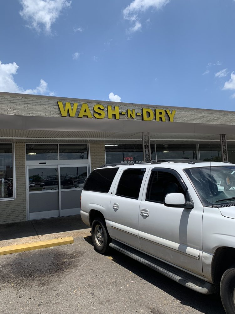 Wash-N-Dry: 250 Keyser Ave, Natchitoches, LA