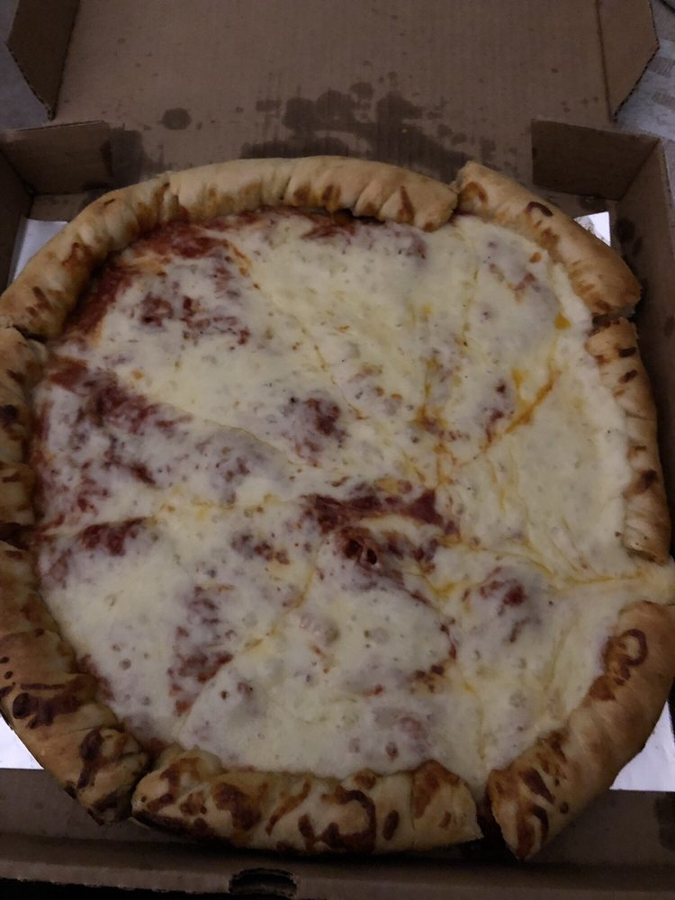 Greg's Pizza: 890 US Hwy 68 S, Maysville, KY