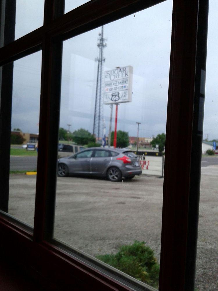 Sugar Creek Diner: 300 W 7th St, Galena, KS
