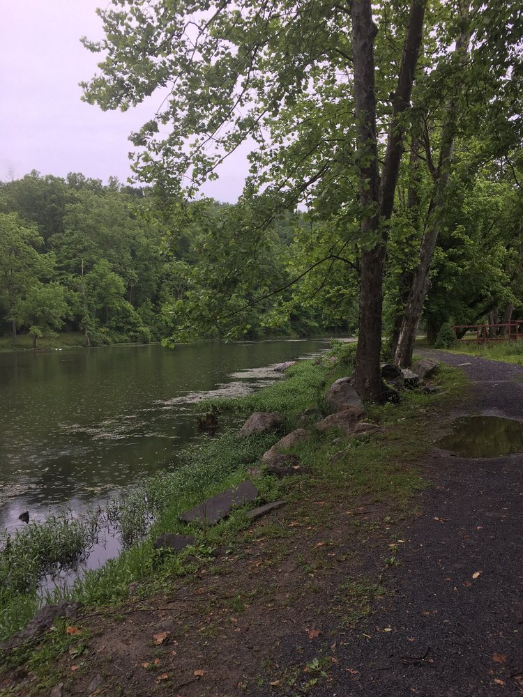 Oxbow Lake Park: Saint Paul, VA