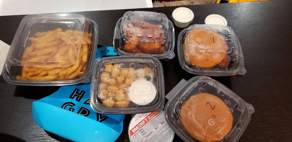 Chuck's Hot Chicken: 11648 Dorsett Rd, Maryland Heights, MO