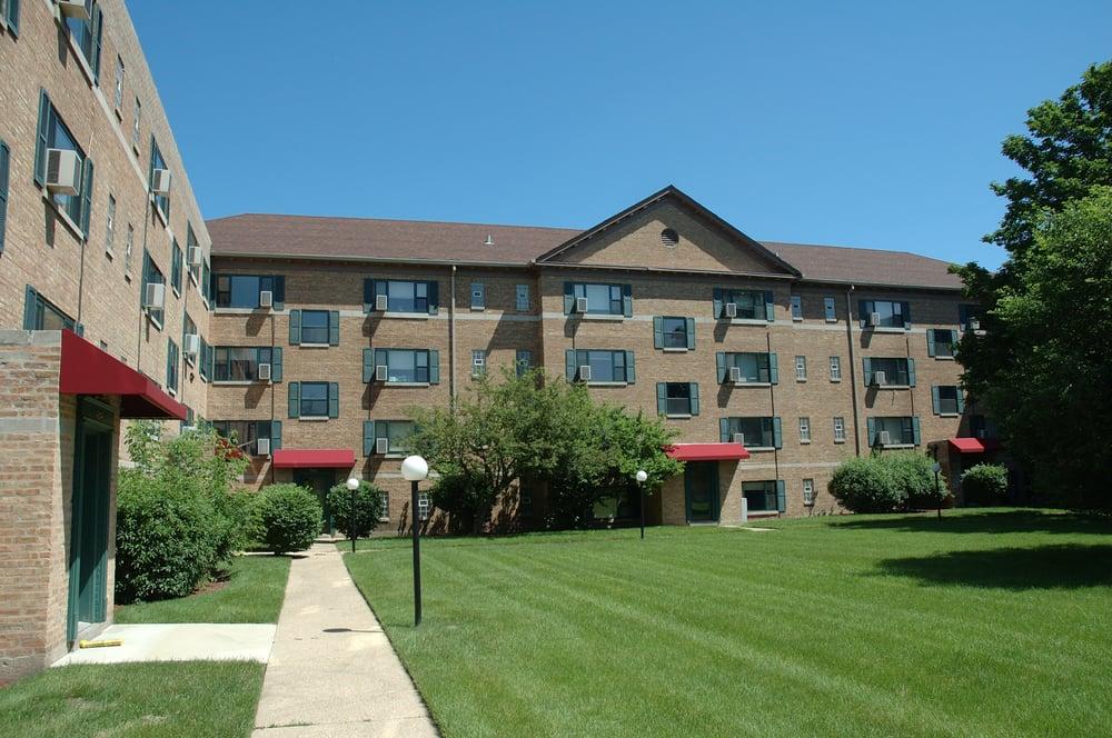 Elmhurst Place Apartments Reviews