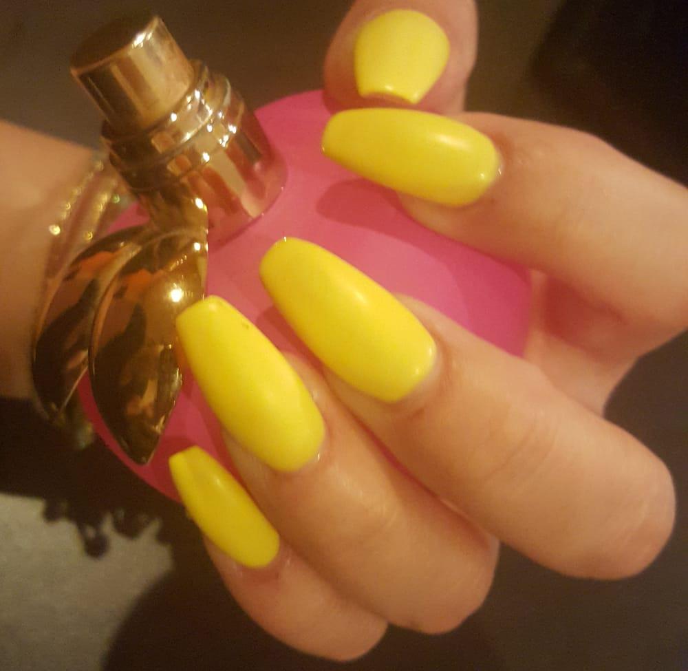 yellow matte nails - photo #29