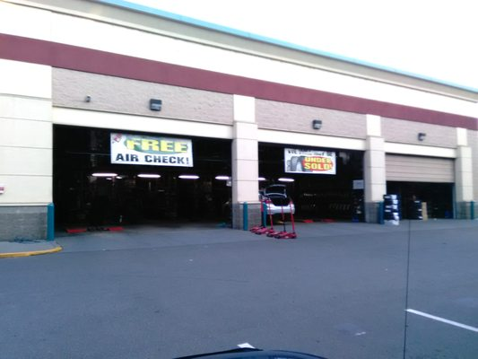 Discount Tire 19905 Aurora Ave N Shoreline Wa Tire Dealers Mapquest