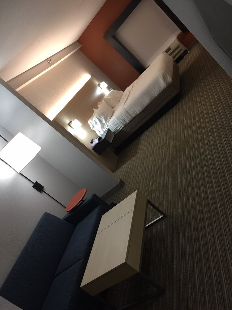 Photo of Holiday Inn Express & Suites Athens: Athens, AL