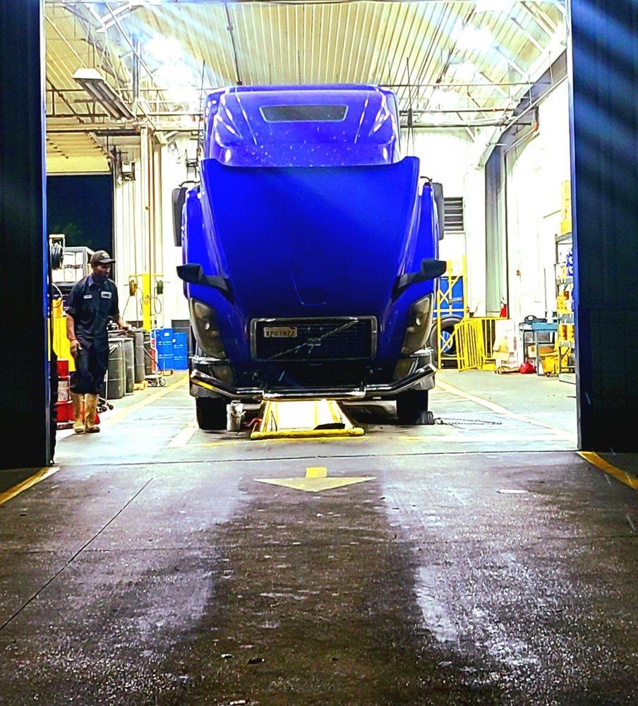 Speedco Truck Lube and Tires: 9620 Highway 80, Greenwood, LA