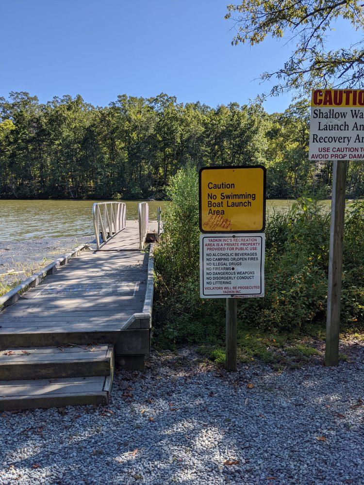 Tuckertown Reservoir Boat Ramp: 36824 NC-49, New London, NC