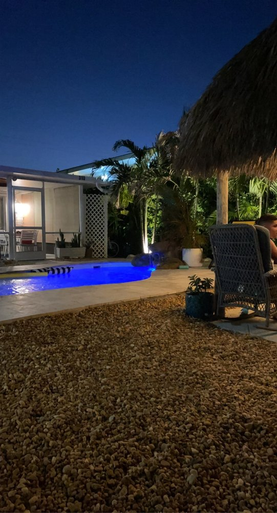 Southern Comfort KCB: 310 11th St, Key Colony Beach, FL