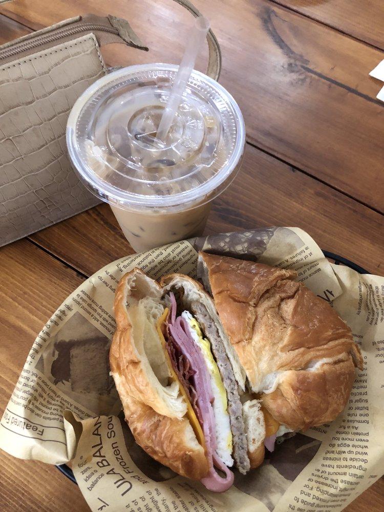 JB's Corner Cafe: 1533 Rio De Janeiro Ave, Punta Gorda, FL