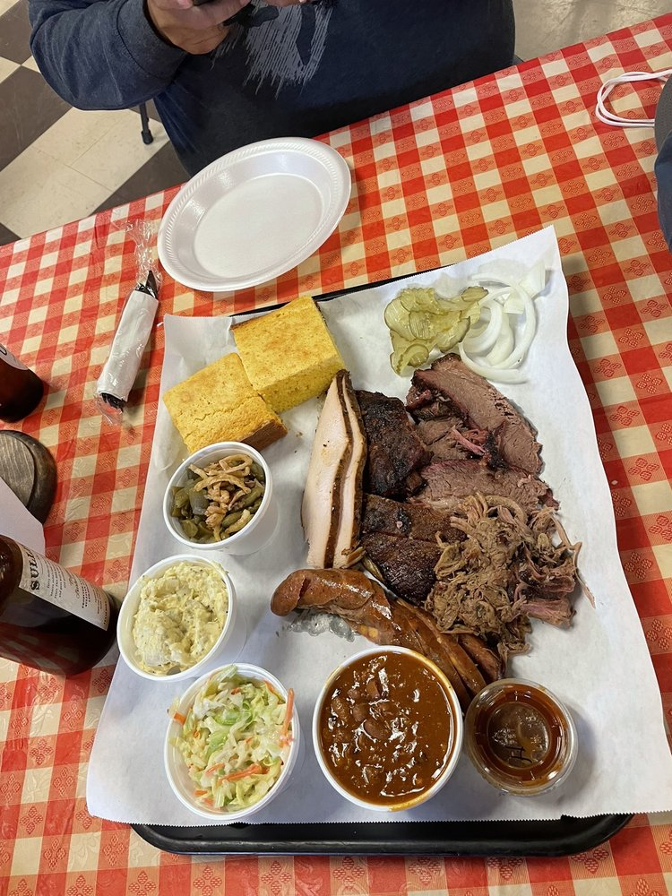 Sullivan Texas BBQ: 301 S Mill St, Lewisville, TX