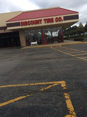 Discount Tire 535 Fort Hill Dr Naperville Il Tire Dealers Mapquest