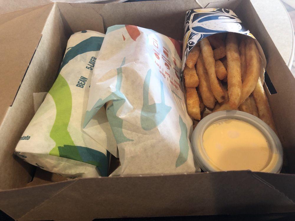 Taco Bell: 2170 Centreville Rd, Herndon, VA
